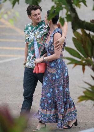 Katy Perry and Orlando Bloom Hiking in Hawaii -18