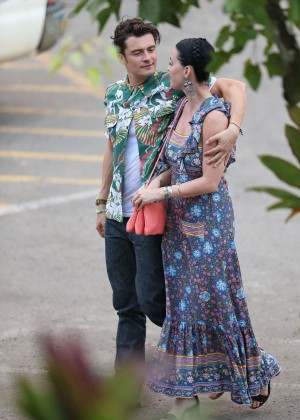 Katy Perry and Orlando Bloom Hiking in Hawaii -21