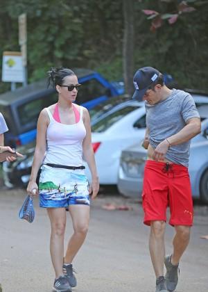 Katy Perry and Orlando Bloom Hiking in Hawaii -24