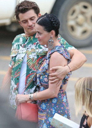 Katy Perry and Orlando Bloom Hiking in Hawaii -32