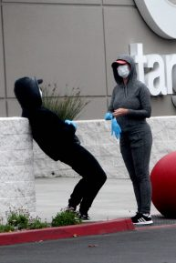 Katy Perry and Orlando Bloom - Shopping candids at Target In California