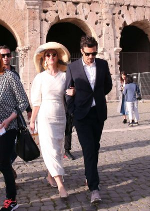 Katy Perry and Orlando Bloom - Visiting the Colosseum in Rome