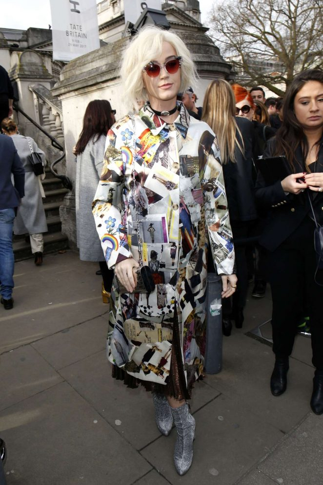 Katy Perry - Arrives at Christopher Kane Show in London