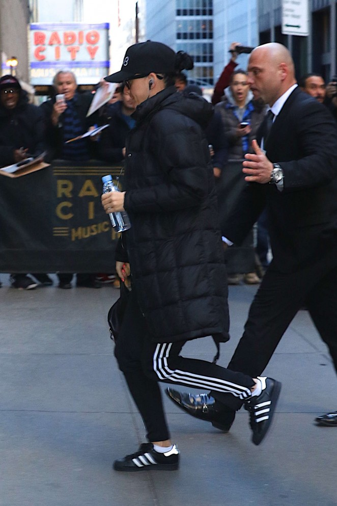 Katy Perry Arrives to Radio City Music Hall in New York