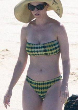 Katy Perry - Bikini Candids at the beach in Cabo San Lucas