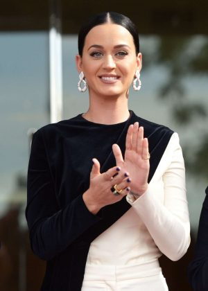 Katy Perry - Capitol Records star of Recognition in Los Angeles