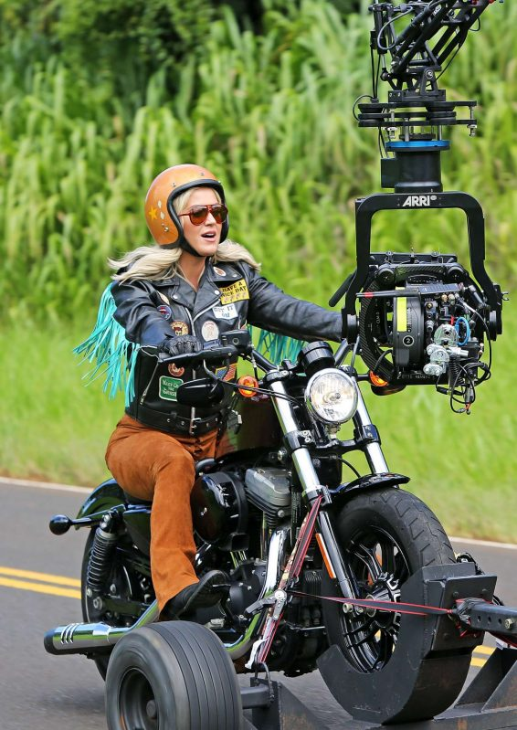 Katy Perry - Filming her new music video in Kilauea