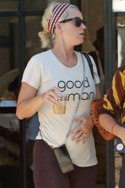 Katy Perry - Finishing a yoga class in Los Angeles