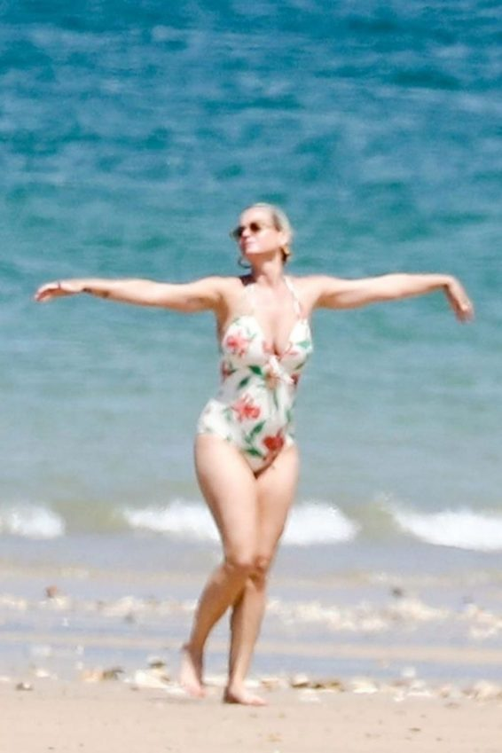 Katy Perry in Floral Swimsuit 2019-19