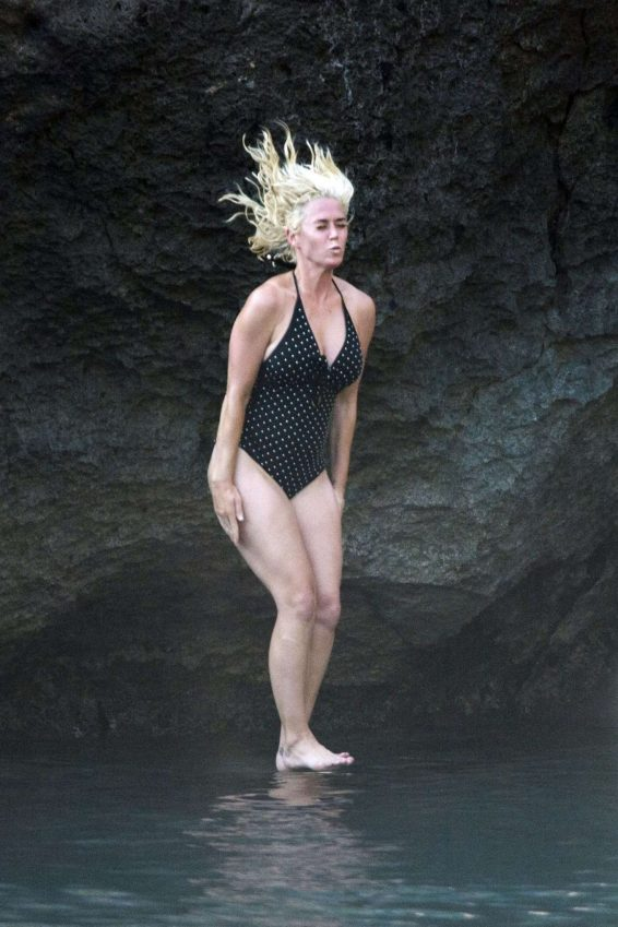 Katy Perry 2019 : Katy Perry in Swimsuit 2019-10