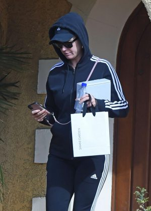 Katy Perry - Leaves a friends house in Los Angeles
