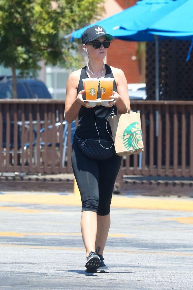 Katy Perry on a Starbucks Run in Studio City -01