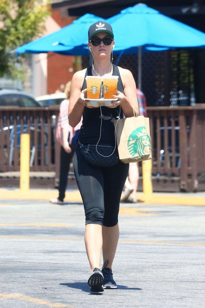 Katy Perry on a Starbucks Run in Studio City -05