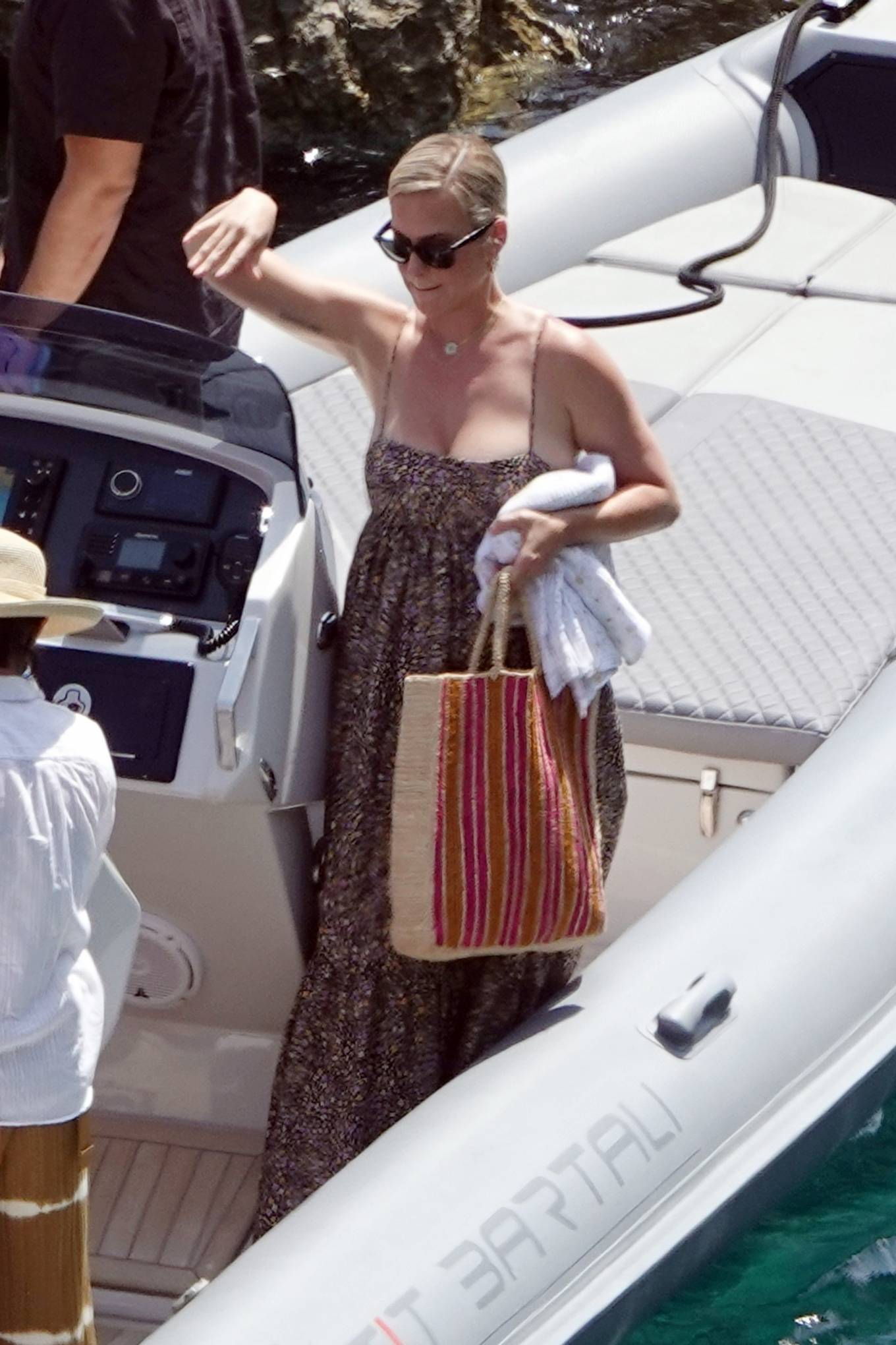 Katy Perry 2021 : Katy Perry – Out for lunch in Capri-06