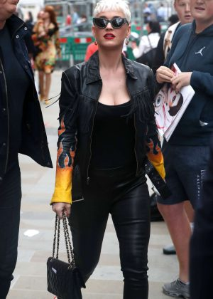 Katy Perry - Out in London