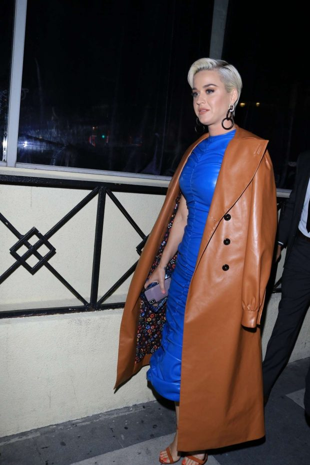 Katy Perry - Outside the Roosevelt Hotel in Hollywood