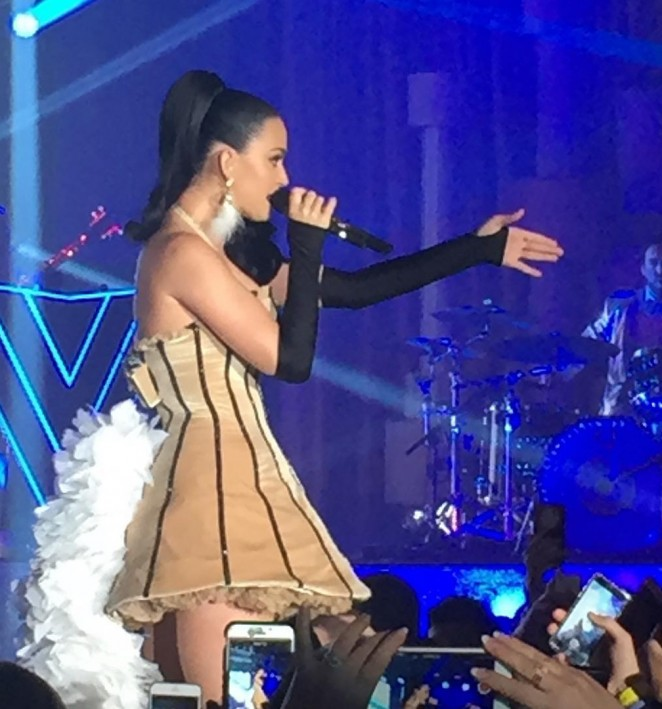 Katy Perry - Performing at a Private New Years Eve Show in Las Vegas