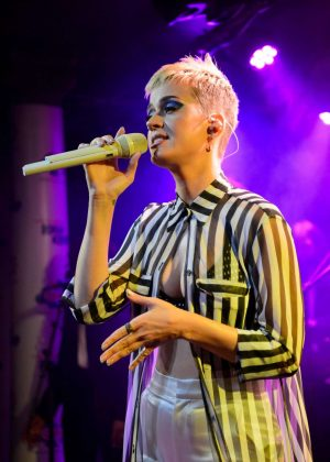 Katy Perry - Performing Live at The Water Rats in London