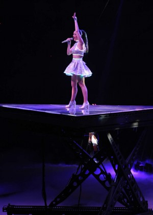 Katy Perry: Performing in Amsterdam -07