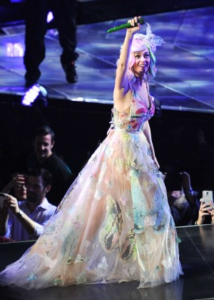 Katy Perry: Performing in Amsterdam -19