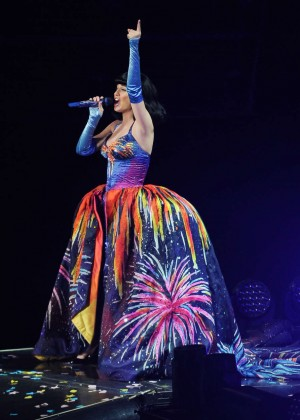 Katy Perry: Performing in Amsterdam -21