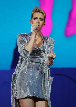 Katy Perry - Performs at Radio 1's Big Weekend in Hull
