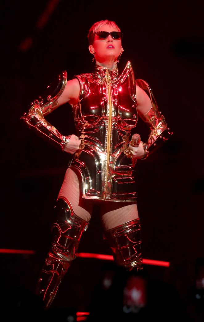 Katy Perry: Performs at Witness: The Tour at T-Mobile Arena -13