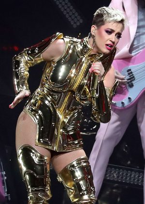 Katy Perry - Performs at 'Witness: The Tour' at T-Mobile Arena in Las Vegas