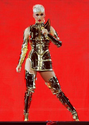 Katy Perry - Performs at 'Witness: The Tour' in Manchester