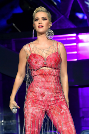Katy Perry - Performs on stage at 2019 Coachella in Indio