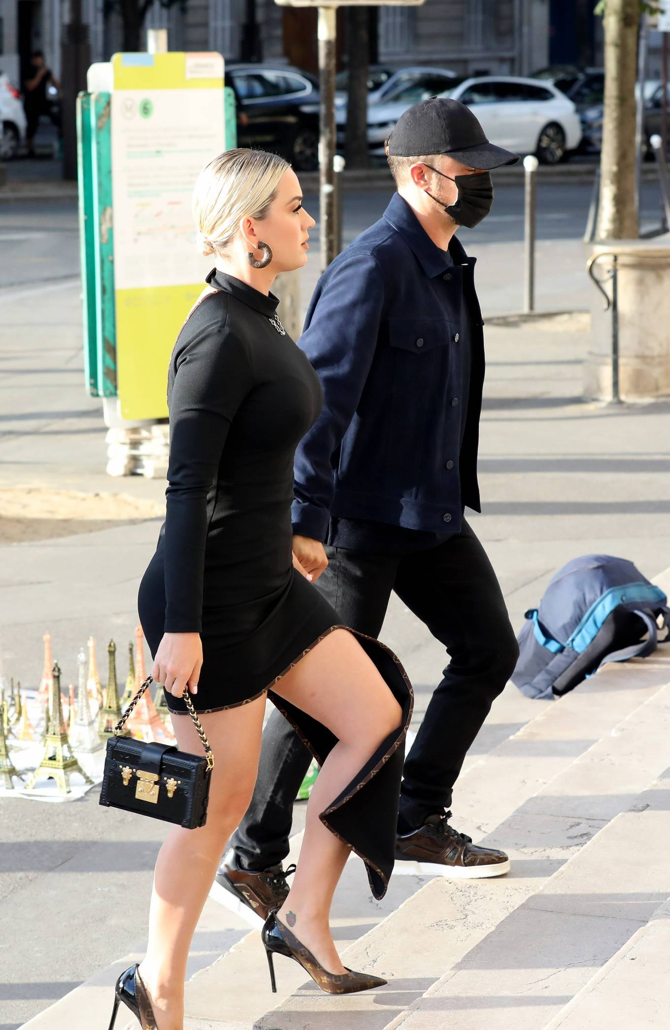 Katy Perry - Pictured at La Girafe Restaurant in Paris