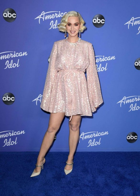 Katy Perry 2020 : Katy Perry – premiere event for new American Idol season in Hollywood-08