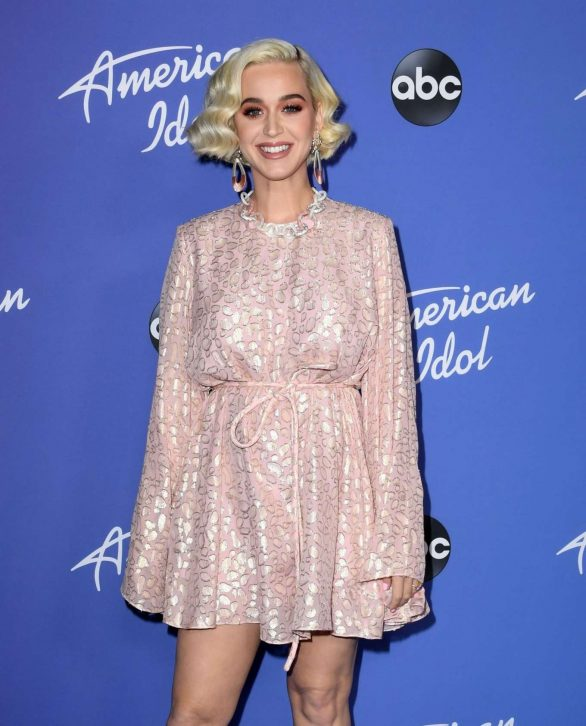 Katy Perry 2020 : Katy Perry – premiere event for new American Idol season in Hollywood-09