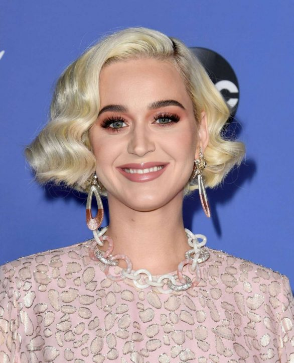 Katy Perry 2020 : Katy Perry – premiere event for new American Idol season in Hollywood-10