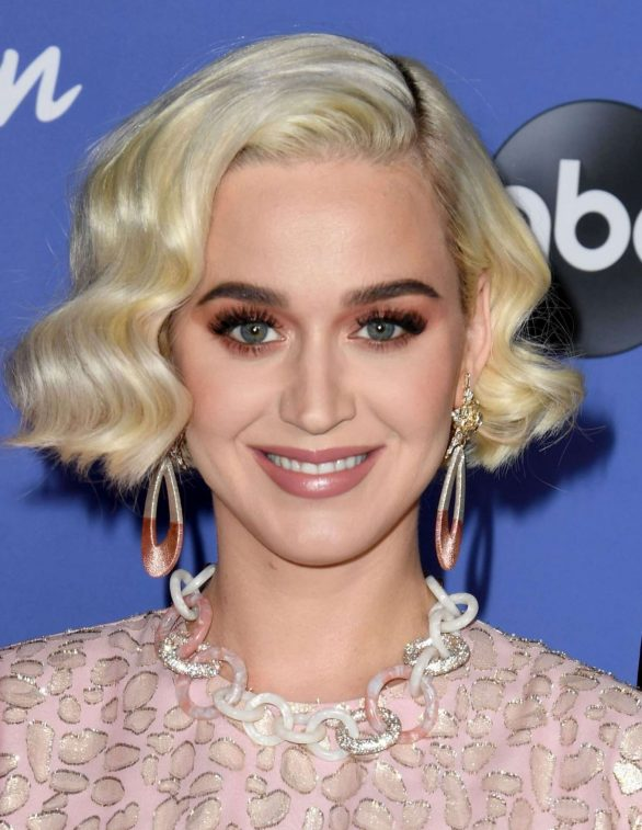 Katy Perry 2020 : Katy Perry – premiere event for new American Idol season in Hollywood-12