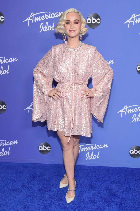 Katy Perry 2020 : Katy Perry – premiere event for new American Idol season in Hollywood-17