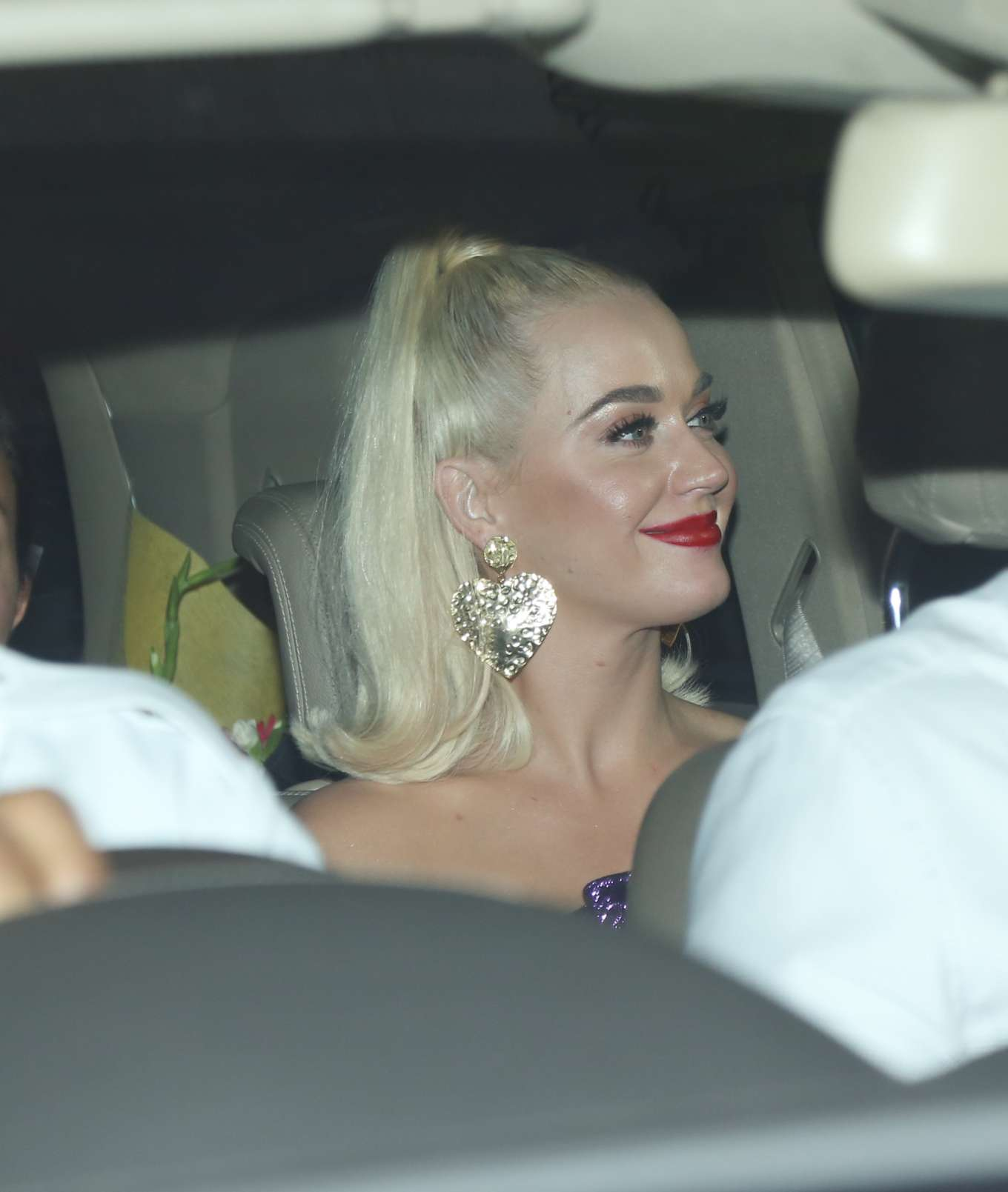 Katy Perry - Spotted arriving at party in Mumbai