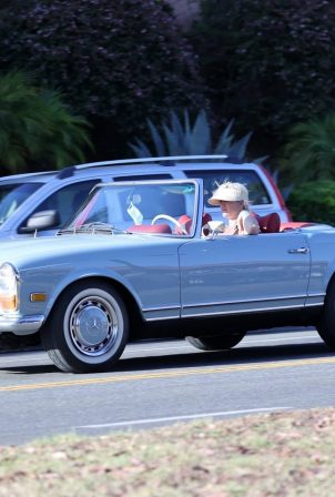 Katy Perry - Spotted in her vintage blue Mercedes convertible In Santa Barbara