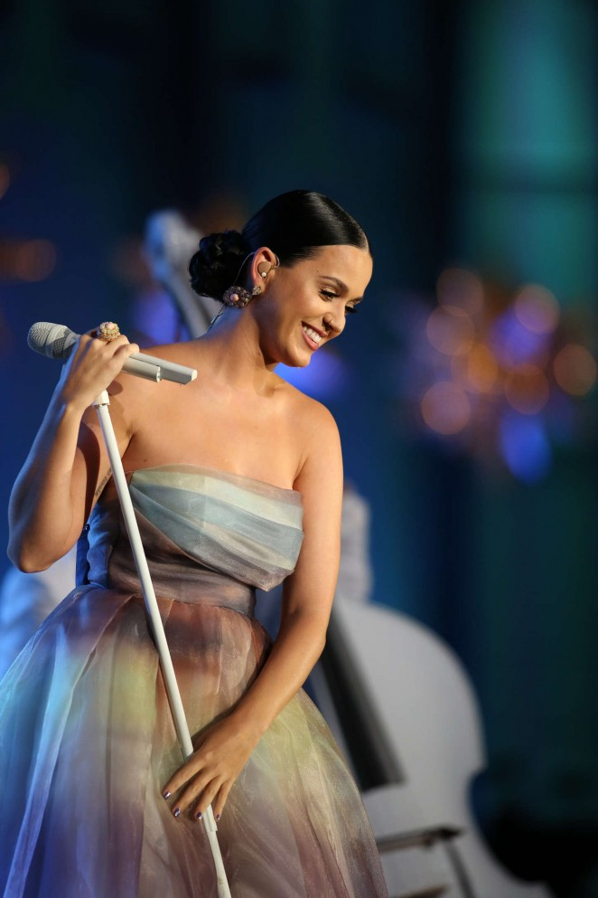 Katy-Perry:-Starkey-Hearing-Foundation-S