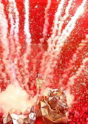 Katy Perry: Superbowl XLIX Halftime Show -01
