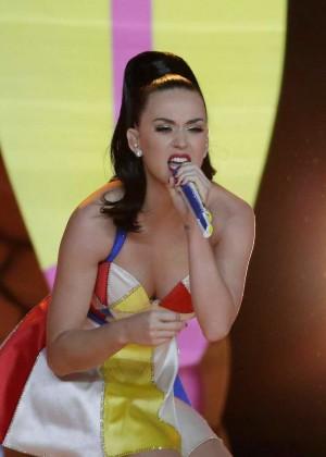 Katy Perry: Superbowl XLIX Halftime Show -22