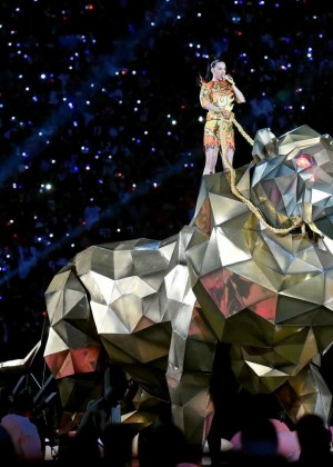 Katy Perry: Superbowl XLIX Halftime Show -47