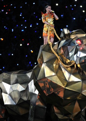 Katy Perry: Superbowl XLIX Halftime Show -60