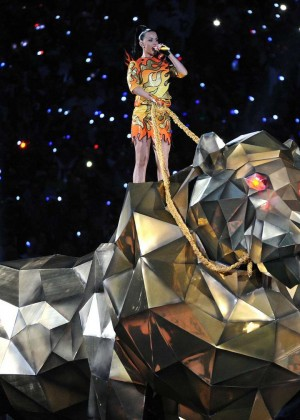 Katy Perry: Superbowl XLIX Halftime Show -82