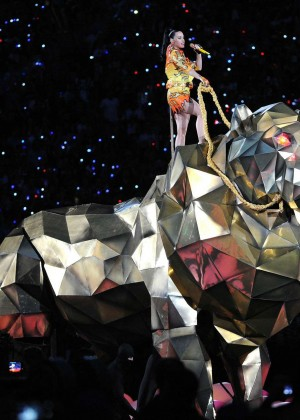 Katy Perry: Superbowl XLIX Halftime Show -92