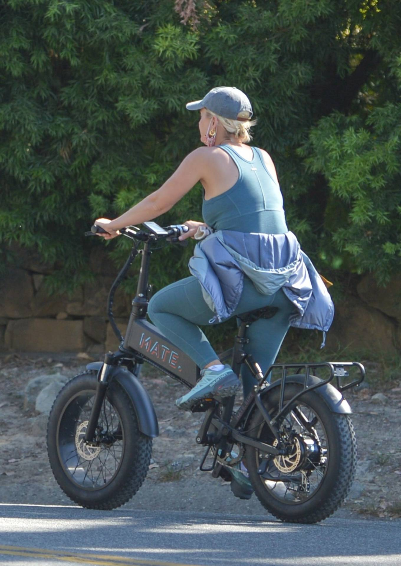 Katy Perry - With Orlando Bloom bike ride around Santa Barbara