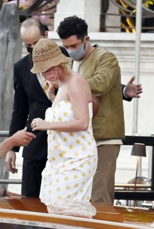 Katy Perry - With Orlando Bloom seen on a taxi boat in Venice