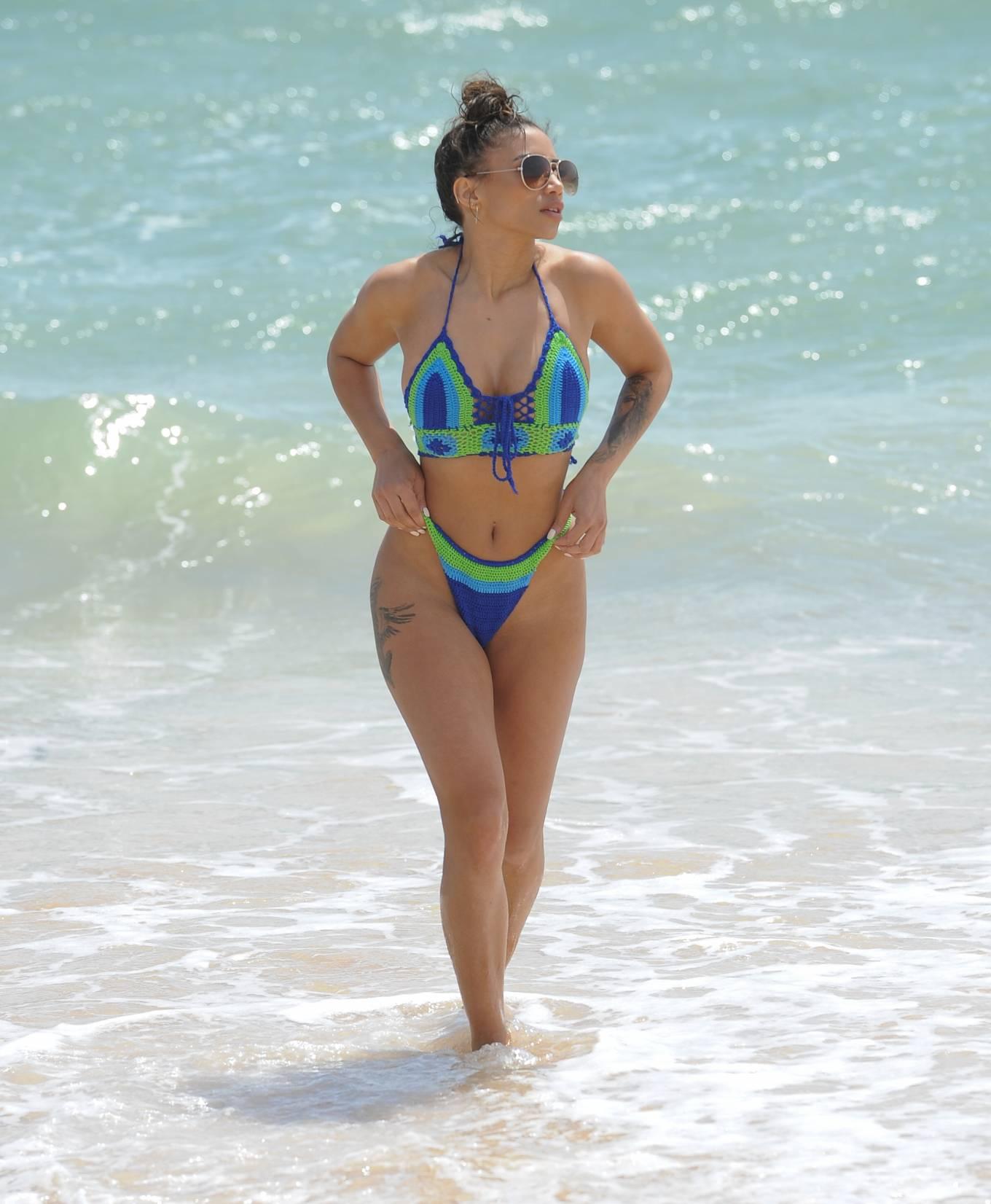 Kayleigh Morris 2020 : Kayleigh Morris in Bikini 2020-03