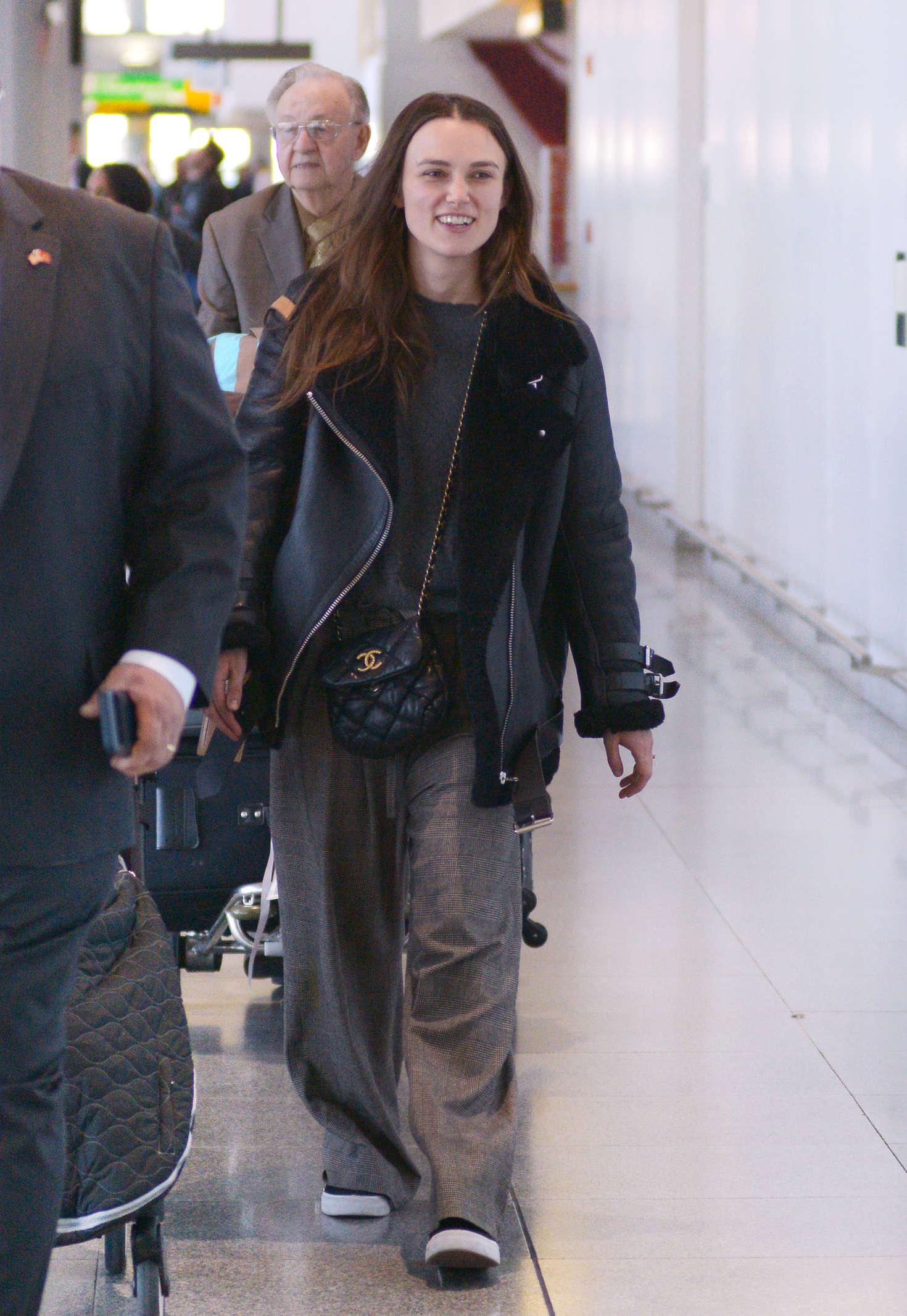 Keira Knightley 2016 : Keira Knightley: Arrives at JFK Airport -04