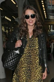 Keira Knightley - Arriving in London